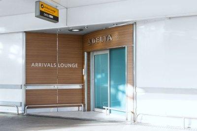 12.08.14_Delta-Lounge_Front_Door_00017_Edit