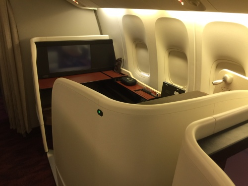 JAL - Japan Airlines - B77W - First Class Cabin - Seat Shell